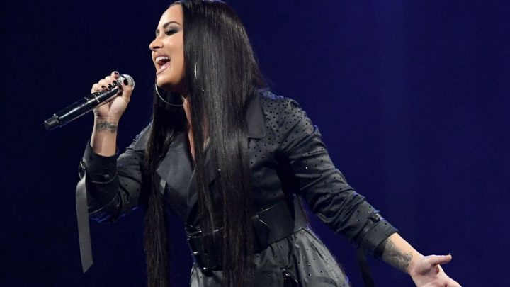 Demi Lovato doesn't hold back in emotional speech about her sobriety