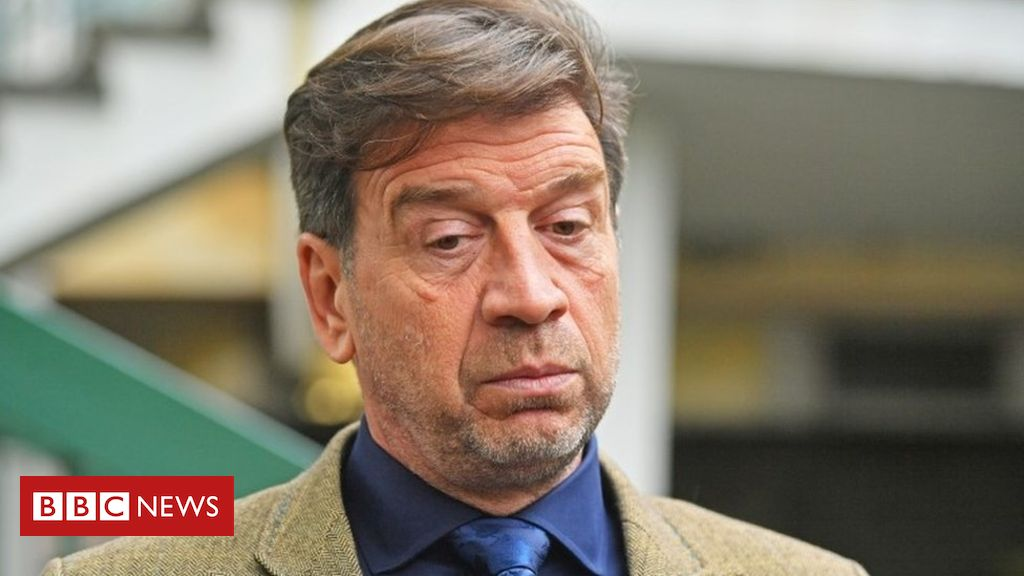 Nick Knowles banned from driving