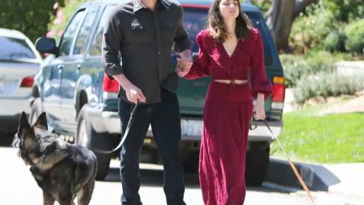 TikTok Accuses Ben Affleck & Ana de Armas Of Colluding With Papz & Staging A Romantic Dog Walk! – Perez Hilton